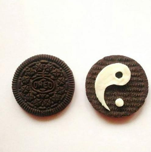 Yin and Yang Cookie